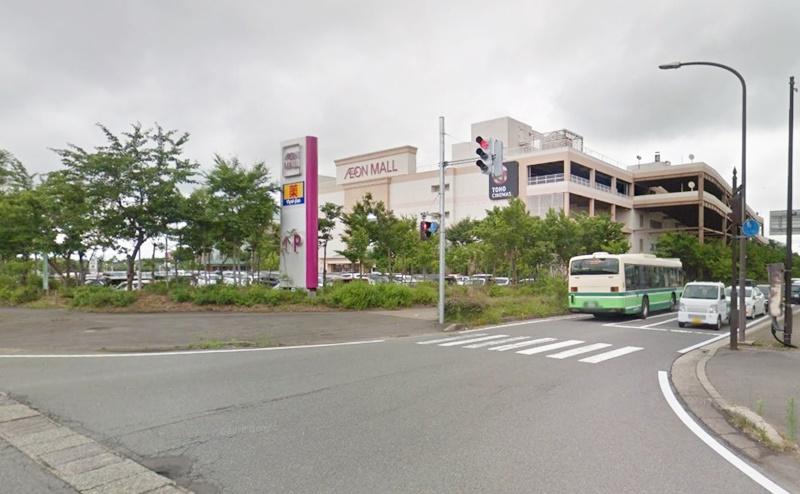 右手にイオンモール秋田店が見えてきます。ミュゼの店舗は3階です。