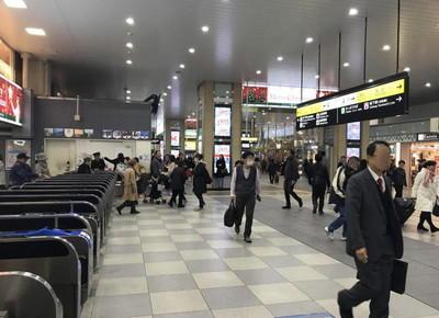 天王寺駅の中央改札を出たら左折