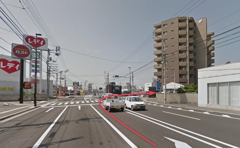 交差点を右折し、国道205号線に入ります。