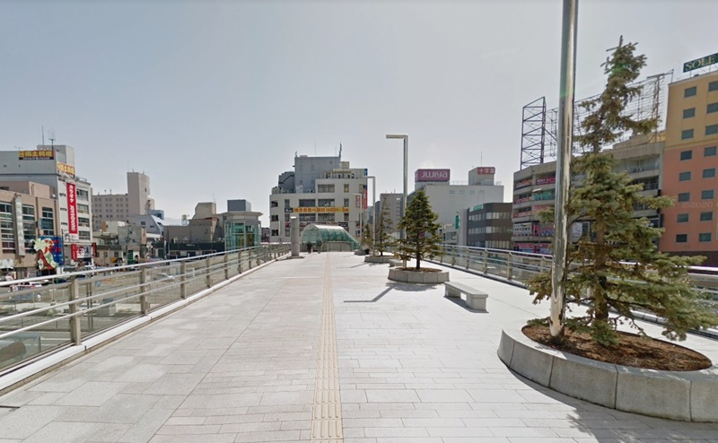 山形駅の東口を出ます。