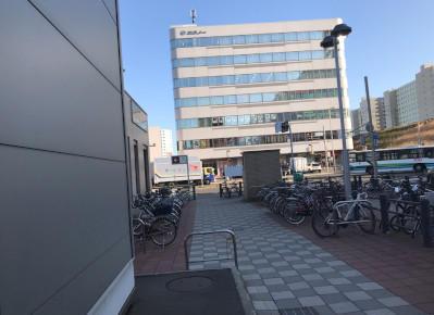 3)地上に出るとすぐ「ホクノー新札幌ビル」が見えます。