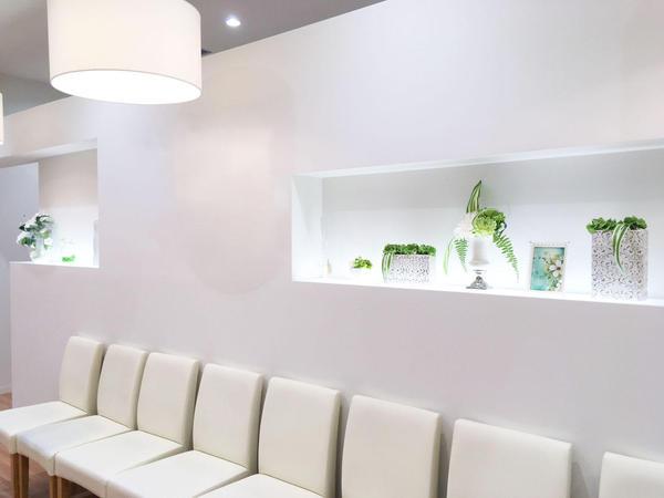 4)サロンは「アピタ名古屋北店」の2階にございます。