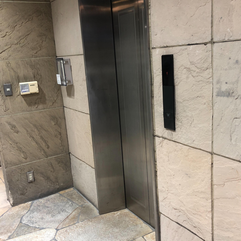 11.エレベーターで3階へ上がります
