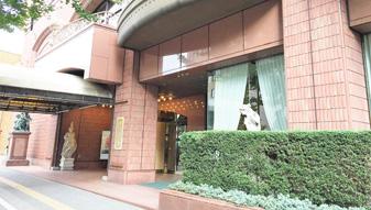 江陽グランドホテルを通過します。