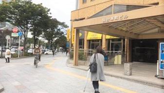 仙台本町ビルの前通過し、道なりに進んで頂きます。