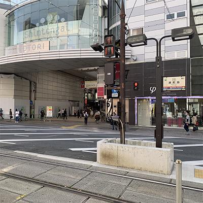 熊本市電の通町筋駅から下通アーケードに入ります。