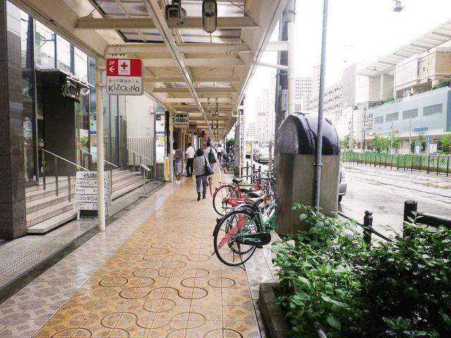 阿倍野筋一丁目東商店街に入り、そのまま進みます。