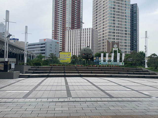 JR「浜松駅」改札を出て、北口に出ます。