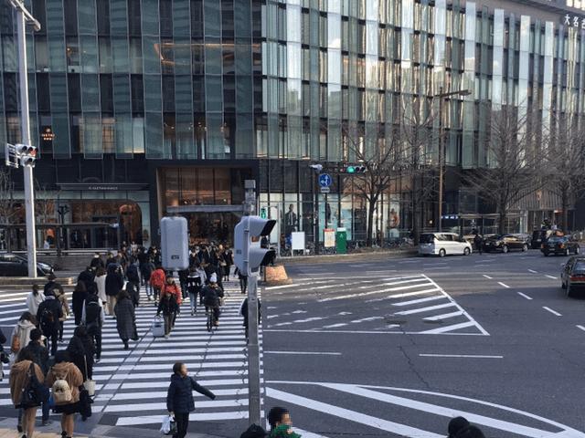 大名古屋ビルジング方向へ進み信号を渡り右手へ道なりに進みます。