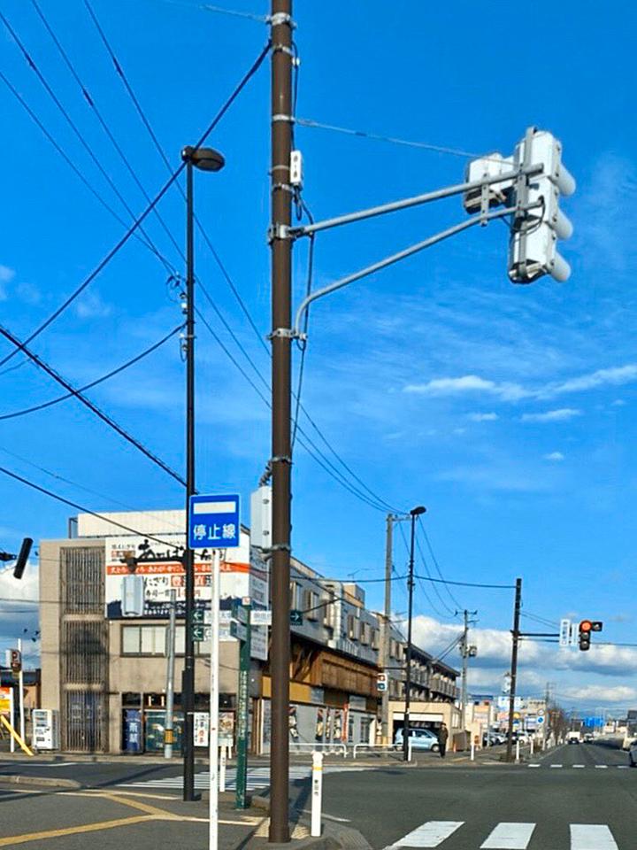 あっぱれ寿司、タイムズカーのある交差点、秋田駅東口を左折します。