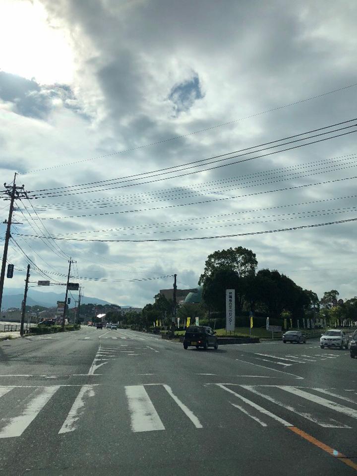 文化センターの方に右に進みます。