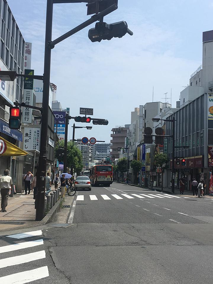 錦通り入口を三井住友銀行の方へ進みます。