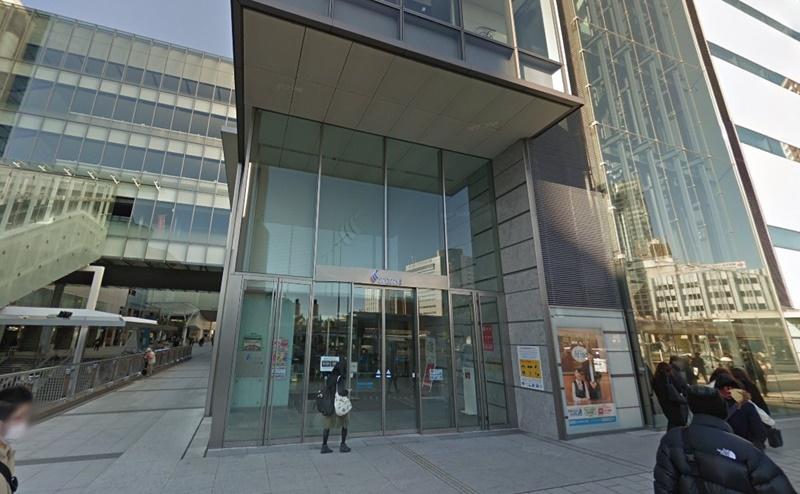50m進むとある遠鉄百貨店に入りましょう。7階がミュゼの店舗です。