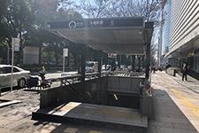 地下鉄矢場町の改札を出て6番出口から出て頂きます。