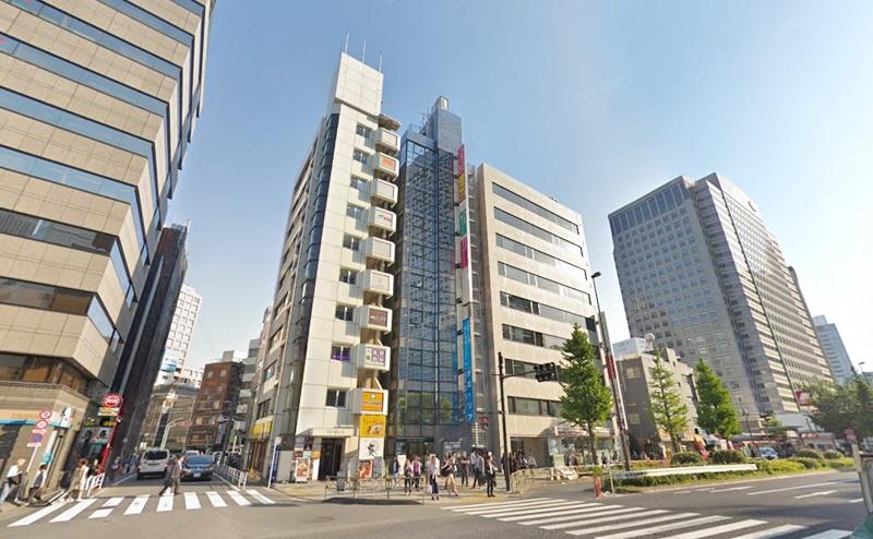ストラッシュ新宿南口店の行き方
