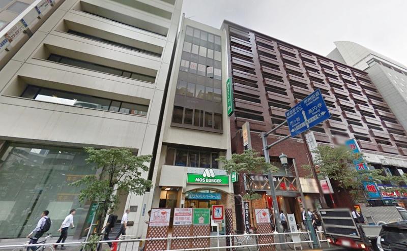 ストラッシュ新宿西口店の行き方
