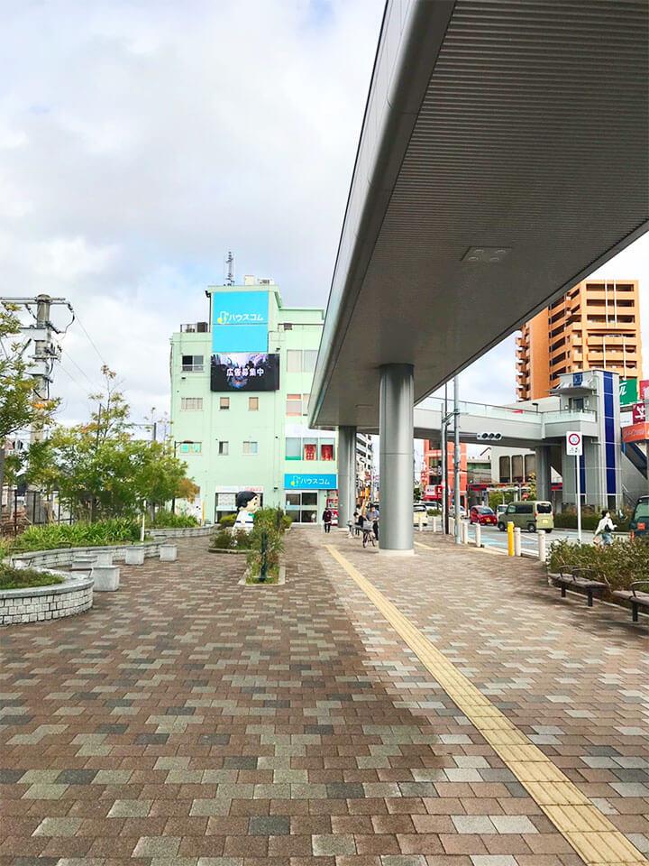 薄緑色のビル2階がキレミカ和泉店です。